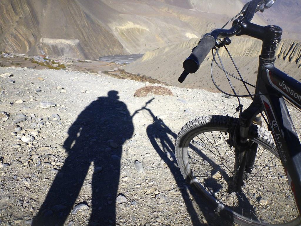 Rick cycling Annapurna, Nepal