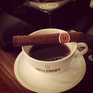 Number 2 today #ryj #romeoyjulietta #cigar #cigarians #cigarlife #cigaraficionado #cigarrprat #cigarporn #cubancigar #stogie #habana #scm #swedishcigarmaffia #nowsmoking #botl #sotl   by stefan json