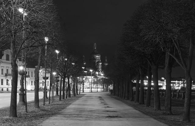 The Night Promenade - Ночной променад