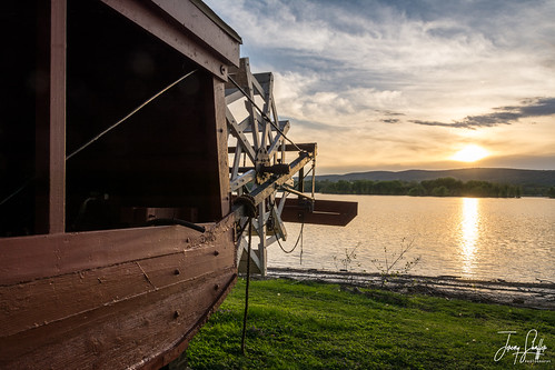 paddleboat sternwheel historic millersburgferry mountains river water sunset ferryboat ferry pennsylvania millersburg waterfront