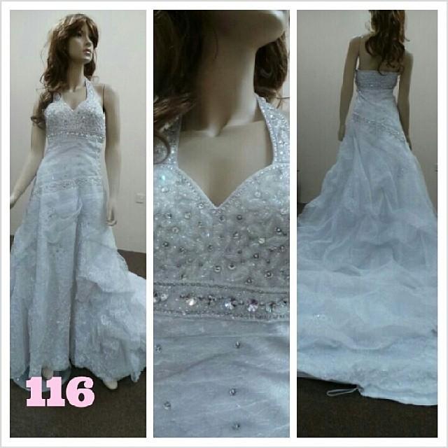 1bd2542a0 ام حيدر #بيع و #تاجير #الفساتين و#توزيعات لجميع #المناسبا… | Flickr