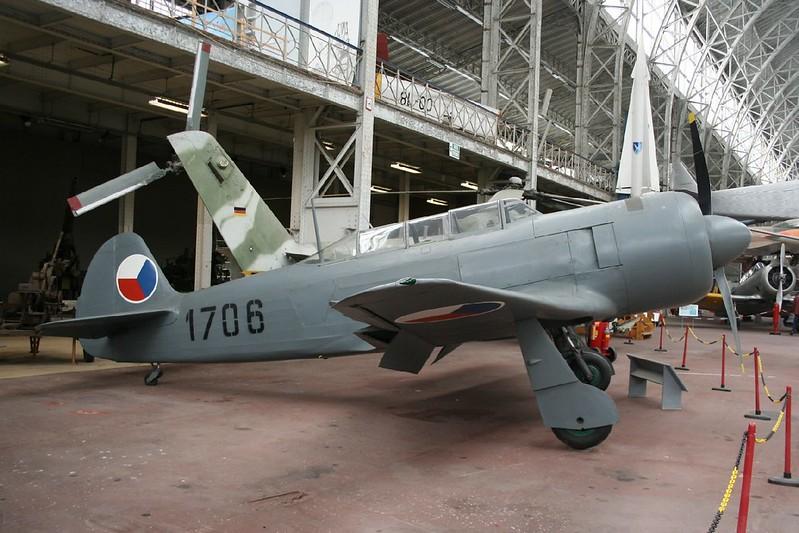Yak-11 2