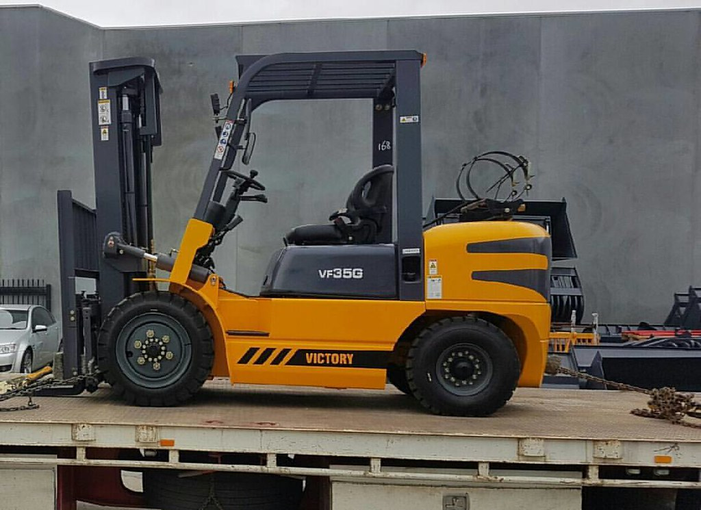 A new Victory VF35G, 3.5 Tonne Forklift out today for Transgroup in Revesby, NSW. The Victory forklift range from Victory Equipment by Safelift Solutions is Australia's best value, best selling new forklift range. With 2 year or 2000 hour factory backed w