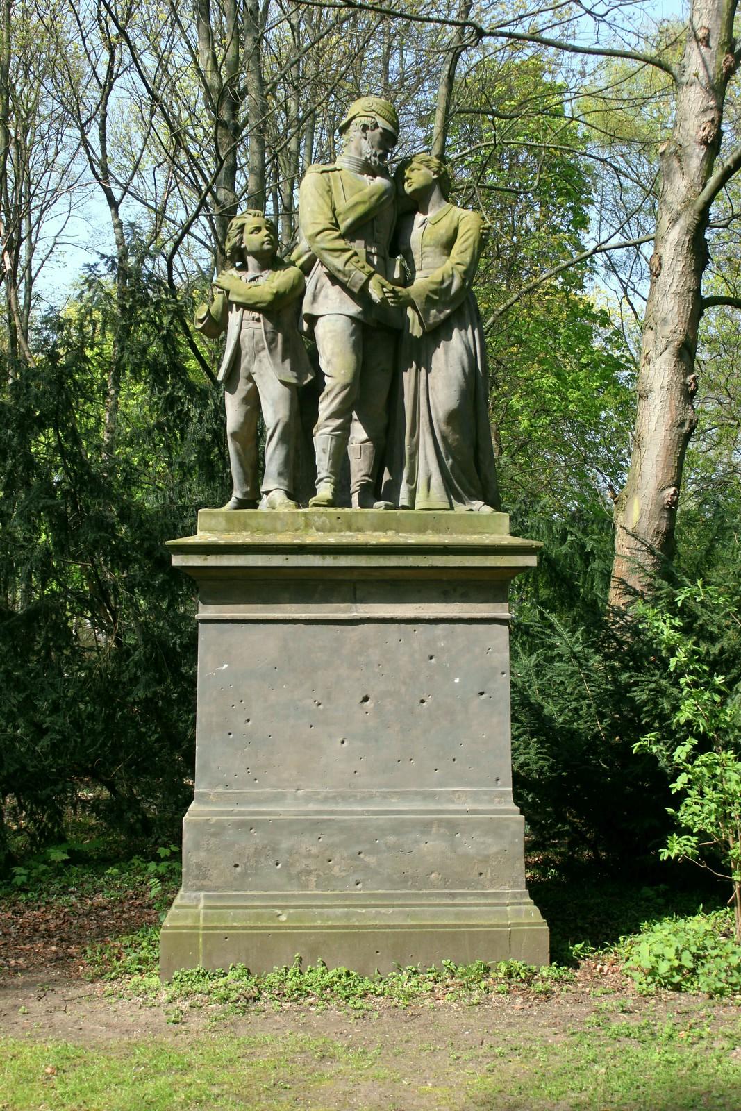 """Der Auszug des Kriegers"" im Berliner Tiergarten"