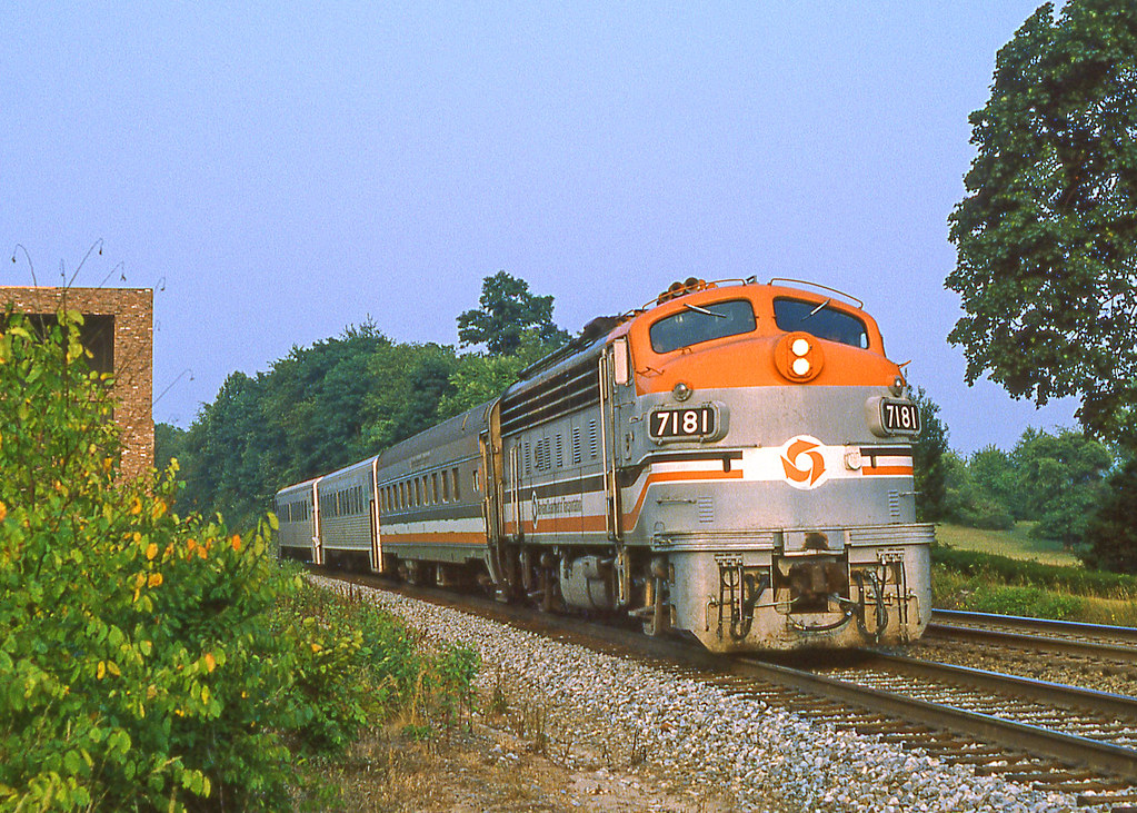 Evening Run | Maryland DOT F9PH No  7181 is at Dickerson MD