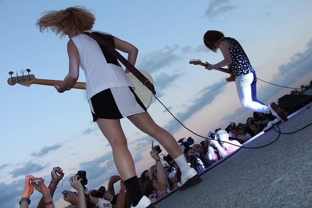 Oreskaband live in Brazil