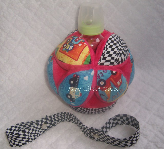 Auto Theme Baby Bottle Holder Ball with Stroller Strap