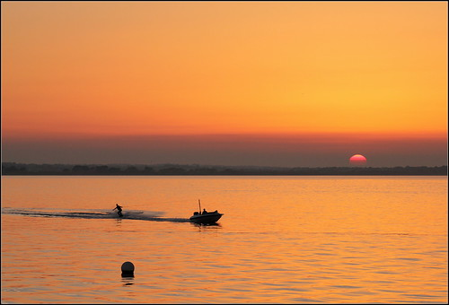 ireland sunset howth dublin sun silhouette sport pier boat action harbour waterskiing fa buoy buoyant