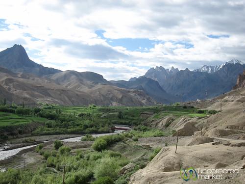 india mountains landscape kashmir ladakh busjourney srinagartoleh kashmirtoladakh