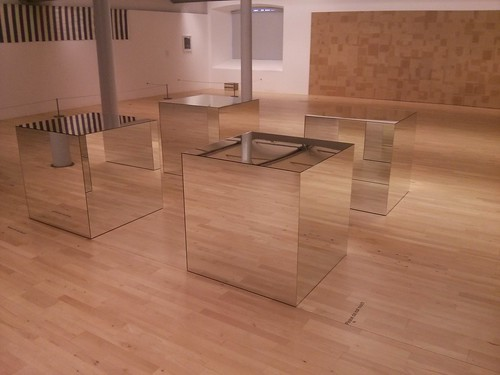 Mirrored Boxes Sculpture (11/03/2014)