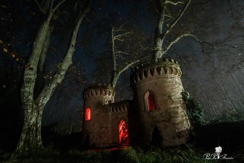 fotografiandolanoche lightpainting night palacetedelosgosálvez landscape towers noche paisaje nocturna paraje like wonderland