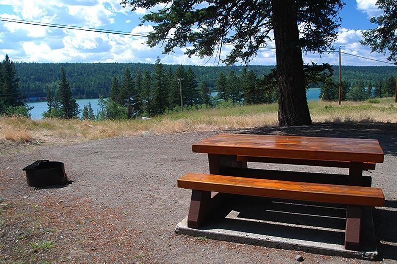 Campground at Lac La Hache Provincial Park, Lac La Hache, Hwy 97, Cariboo, British Columbia, Canada