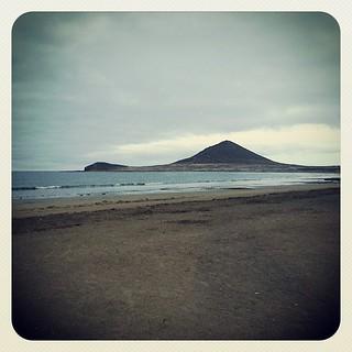 Tener una playa para ti solo es impagable, para todo lo demás #masterclas #quesuerteviviraquí | by Pedro Baez Diaz @pedrobaezdiaz