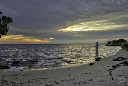 landscape seascape shore shoreline mangrove sunset evening clouds reflection water waves sand rocks cloudy poncedeleon historicalpark puntagorda charlotteharbor peaceriver charlottecounty southwestern florida fl stevefrazierphotography may 2016 fishing fisherman beautiful reflections horizon colorful color footprints