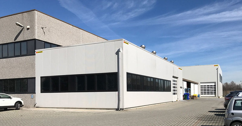 Industrial steel building for Meter / Capannoni in pannelli sandwich per Meter