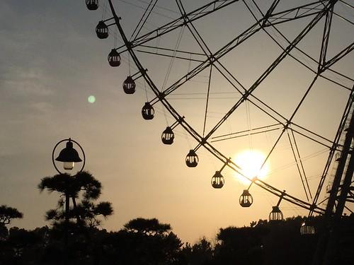 tokyo lamp bigwheel sunset