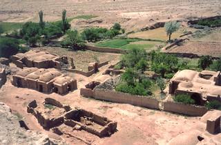 Iran - un village et ses vestiges (tremblement de terre 1968) | by Jeanne Menjoulet