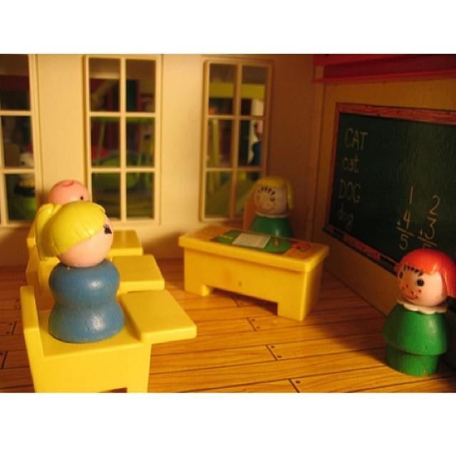 Fisher Price School House Fun 362/265  #vintage #fisherprice #rumpusroom365 #365toys