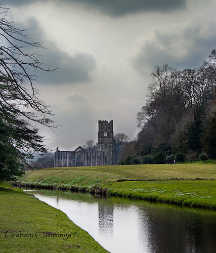 cloud church fountain abbey river landscape view yorkshire ruin national trust nationaltrust northyorkshire reflaction ripon expolore