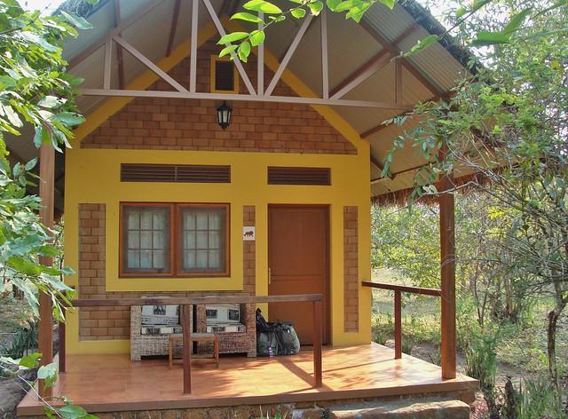 Garamba guest hut.