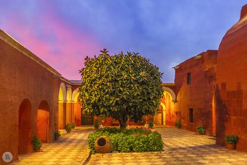 travel summer péru pérou 2013 southamerica america arequipa unesco monasterio de santa catalina monasteriodesantacatalina sunset
