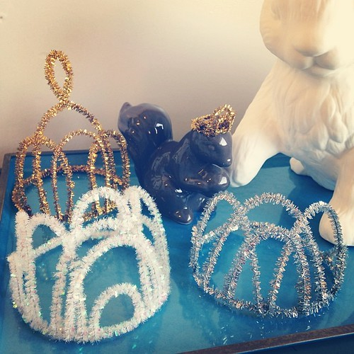 Making (simple) tiara-crowns for NYE! | by annie chu crafts