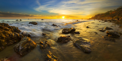 longexposure sunset usa beach coast losangeles waves shore californiacoast skydrama