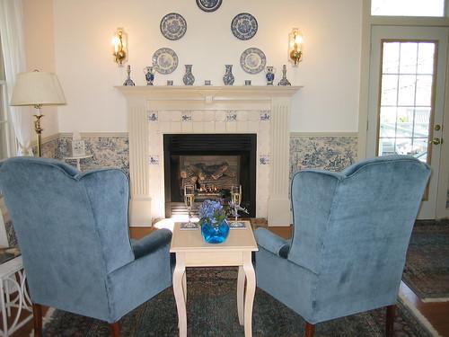 theredhorseinn blueridgemountains cottage couplesretreat romanticgetaway romanticview anniversaryidea hottub greenville sc landrum