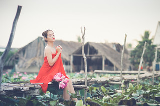Woman & Lotus | by kimthach87