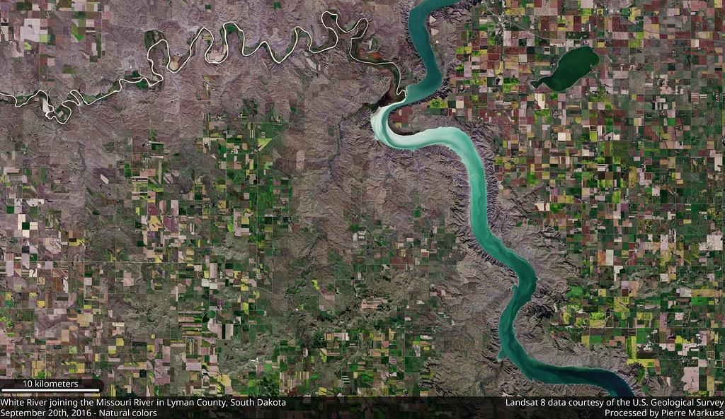 White_River_432_pan_crop_15