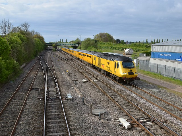 Network Rails 'Flying Banana' passing Trowell Junction, Notts, enroute from Derby RTC to Heaton. 29 04 2017