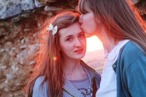Teva Tessa kissing Millay_1137 | by FeistyTortilla