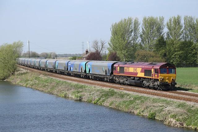 66070 passes Godnow Bridge
