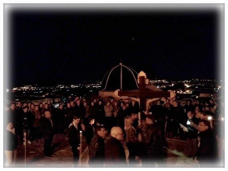 (2017-04-07) - VIII Vía Crucis nocturno - Victor Vicedo Ibañez (02)
