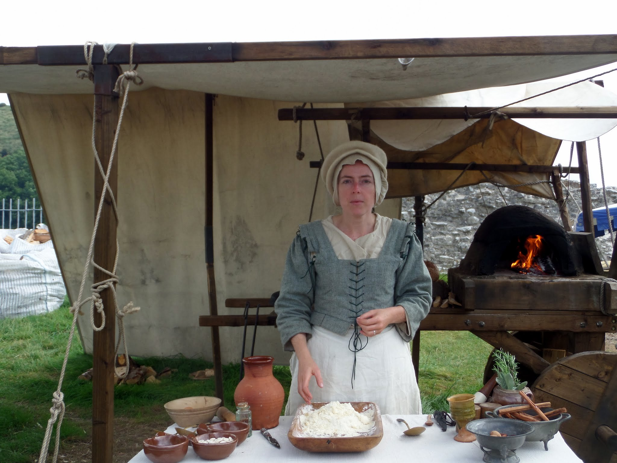 Tudor cooking demonstration, Corfe Castle