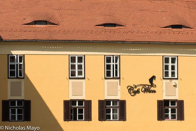 Cafe Wien With Saxon Roof Eyes