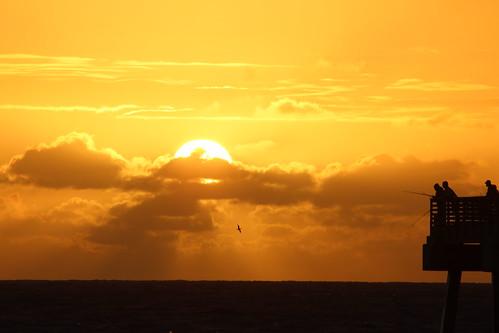 prettygoodwaytostartyourday sunrise fishing fishingpier atlanticocean atlantic sky sunny sun ocean jupiter jupiterflorida fla florida floridausa usa dawn