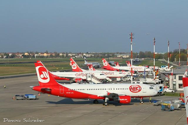 FlyNiki/Air Berlin, OE-LEL at Berlin Tegel Airport, TXL