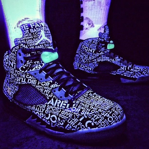 separation shoes f19e2 b1ae4 On foot look at the Air Jordan 5 Doernbecher with black li ...