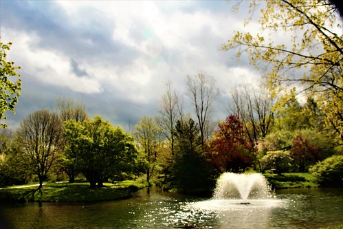 shadow light hues hdr landscape colors sigmalens canonrebelt5i may spring 2017 michigan 18250mmf3563dcosmacrohsm water pond fountain sky clouds usa shades personalbest