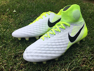 old-vs-new-how-upper-of-nike-magista-changed-after-less-a-year-5 | by doul.huong