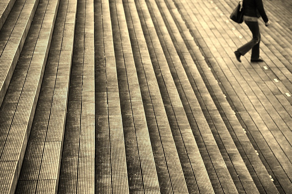 Stepping down bnf paris france mariko kitaoka flickr for Architettura giapponese tradizionale