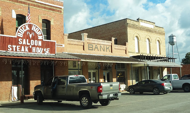 downtown-dhanis-texas