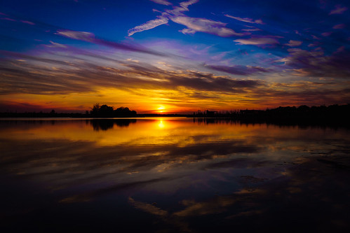sunset lake sun reflections reflectoin sony alpha6500 a6500 sigma 19mm memphis tenn skies