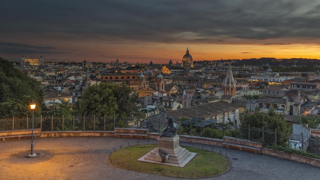Sens E Ual Terrazza Viale Del Belvedere Rome Sunset At A