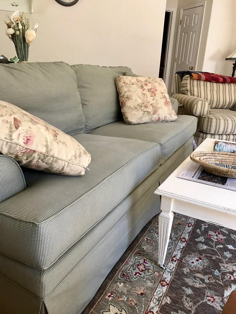 Coastal Cottage Living Room Gwynethjones The Daring