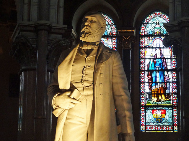 president-garfield-statue - unique things to do in Cleveland