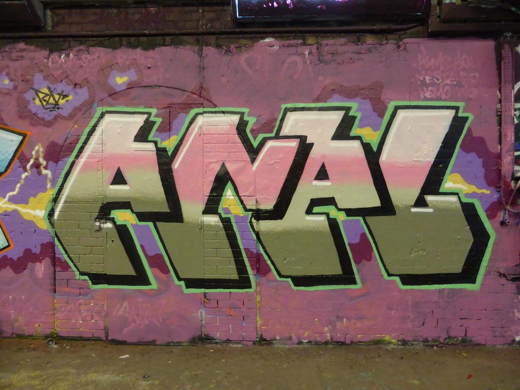 Anal graffiti, Leake Street