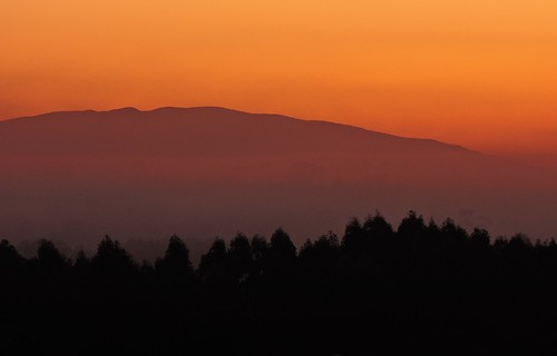 morning winter sky mist mountain mountains color colour weather misty fog sunrise landscape dawn nikon skies foggy australia victoria minimal layer vic layers minimalist gippsland firstlight layered warragul mtbawbaw p600 mountbawbaw mterica westgippsland mounterica nikoncoolpixp600 phunnyfotos