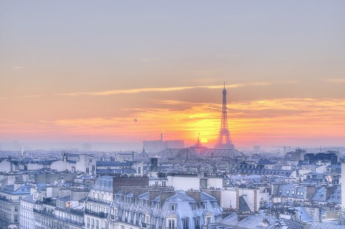 sunset paris france eye eiffeltower roofs toureiffel getty gettyimages coucherdusoleil sizun sizuneye
